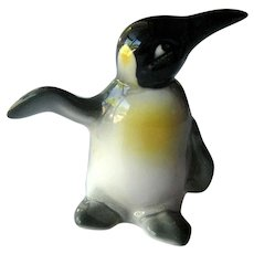 Goebel Penguin - Penguin Flipper Out - Collectible Goebel - Goebel Figurine
