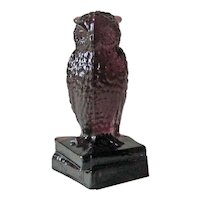 Degenhart Amethyst Glass Owl / Figurine on Books Signed / Collectible Glass / Elizabeth Degenhart