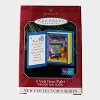 Hallmark Winnie the Pooh Ornament - Collectors Series #1 - Christmas Ornament
