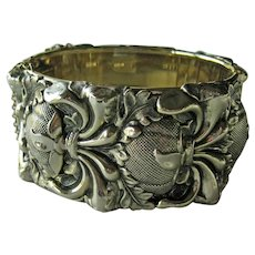 Whiting & Davis Wide Repousse Bangle Bracelet - Original Whiting & Davis Tag - Gold-tone Brcelet