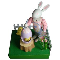 """Automaton MUSIC BOX Bunny Rabbit PAINTING EASTER EGGS  Plays """"Whistle While You Work"""""""