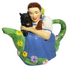 The Wizard of Oz Treasure Craft Dorothy and Toto Teapot Pot
