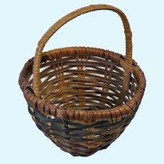 """Doll Miniature tricolor wicker basket 3"""" Very Fine Weaving"""