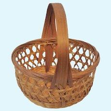 """Doll Miniature Wicker Basket  Open Weave Hexagons 3"""" Very Fine Weaving"""