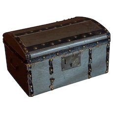 Lovely little trunk for a large Mignonette or Bebe Size 1