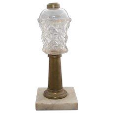 """Sandwich glass """"Sandwich Star"""" pattern lamp."""
