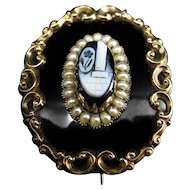 *In Loving Memory* Antique Victorian Memorial Onyxy Cameo Brooch c.1855