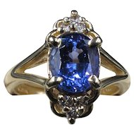 """""""Lucy in The Sky With Diamonds"""" Stunning Periwinkle Tanzanite Flanked by 6 Sparkling Diamonds Estate 14K Gold Ring size 6"""