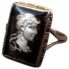 "*The Visage* Reverse Intaglio ""En Grissant"" Glass Cameo Ring in 9K Gold"