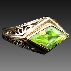 *The Unrelenting Mind* Art Deco c.1930 Lime Quartz Ring in 10K Yellow Gold