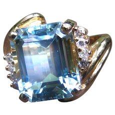 *Ocean's Herald* Aquamarine 14k Gold Ring Vintage c.1960