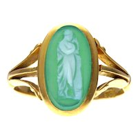 Green Agate Cameo Ring in 18k Gold Hallmarked 1905