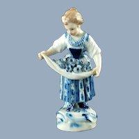 Antique Meissen Hand Painted 'Gärtner und Winzer Kinder' Porcelain Figurine Girl With Flowers In Apron
