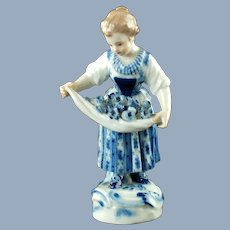 Antique Meissen Hand Painted 'Gärtner und Winzer Kinder' Porcelain Figurine Girl With Flowers In Apron