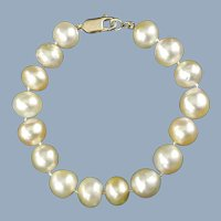 Vintage Hand Knotted 10.5mm and 11mm Cultured Pearl Bracelet with 14kt Yellow Gold Clasp