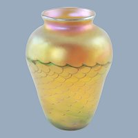 Vintage Orient and Flume Gold Iriscene Art Glass Vase with Ribbed Twist Motif