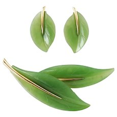 Vintage Gumps 14K Yellow Gold and Natural Green Jadeite Double Leaf Brooch and Matched Leaf Earrings