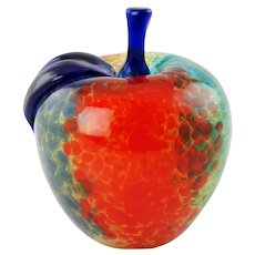 Vintage Franco Moretti Murano Art Glass Apple Paperweight Artist Signed with Original Modigliani Via Condotti Roma Label
