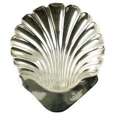 Antique English Sterling Silver Footed Scallop Shell Trinket Dish Stokes and Ireland Chester 1903
