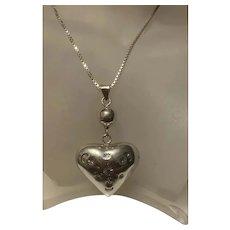 Gorgeous Vintage Large Puffy Love Heart Pendant Necklace