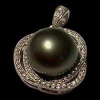 Gorgeous Vintage Sterling Tahitian Black Pearl Pendant