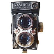 Yashica MAT-124 Camera Circa 1950's Made In Japan