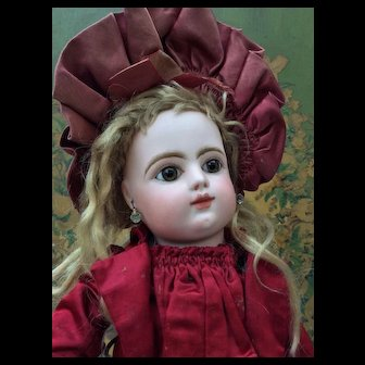 Beautiful Cabinet size FG Bebe in All Original couture outfit. Museum Quality