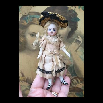 """Beautiful Antique French All Bisque Mignonette. 5"""""""