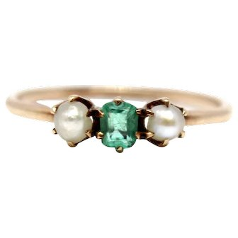 14K Yellow Gold Natural Emerald Antique Ring with two seed pearls, art deco