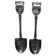 Souvenir spoons from Washington,  DC and Las Vegas