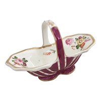 Tiny porcelain basket, Coalport ca 1825