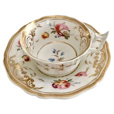 New Hall teacup and saucer, stunning flowers Old English Flute, ca 1825