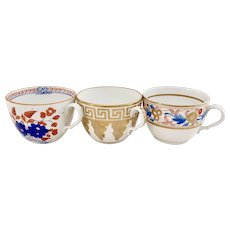 Set of three orphaned Spode teacups, bute shape, ca 1805-1810