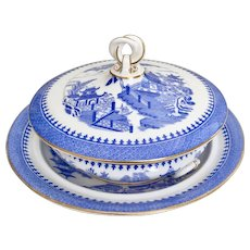 Antique Royal Worcester lidded porridge dish, 1883-1885