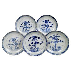 Set of 5 Chinese Export plates, Pine Trees and Peonies, Kangxi ca 1730