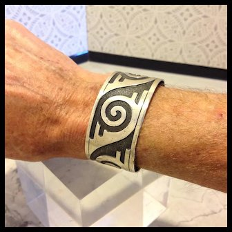 Hopi Tribal Pattern Sterling Silver cuff from Bell Trading Post with the marking from 1932
