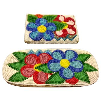OLD MUSEUM QUALITY Shoshone (Native American) Fully Hand Beaded Glasses Case with Matching Coin Purse