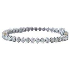 Short Term Sale $4995, 0.31 Carat Diamond bracelet in 18 Karat White Gold, marked 750, forty-four prong set round Brilliant Cut diamonds, measuring 4.00 - 4.00 x 2.40mm @