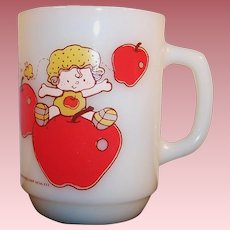 Anchor Hocking Apple Dumpling Mug -- 1980's Strawberry Shortcake Collectible
