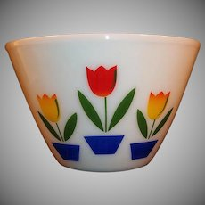 "Large Ivory Fire King Tulip Mixing Bowl (9 1/2"")"