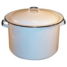 Six Quart White & Black Enamel Covered Stock / Soup Pot
