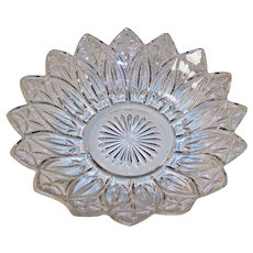 """10 1/4""""  Federal Glass Petal Crystal Clear Serving Bowl"""