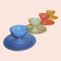Hazel Atlas Moderntone Pastel Dessert Sherbets and Plates (SET OF 4,  8 pieces))