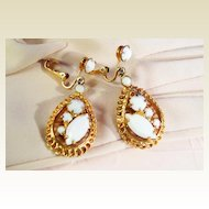 Classic Teardrop Milk White Earrings