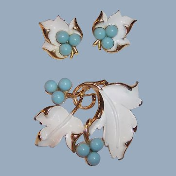 "1967 ""Placid Beauty"" Sarah Coventry Brooch & Clip Earrings Set"