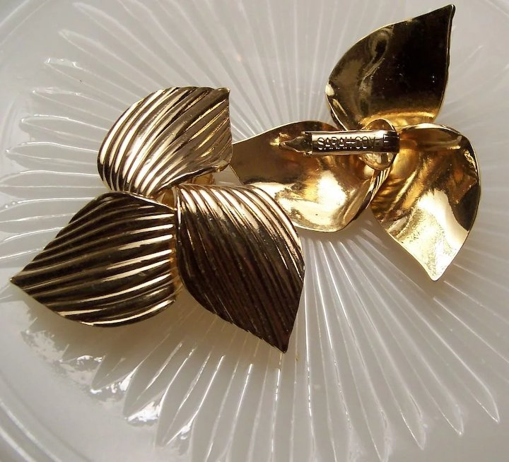 Sarah Coventry 1969 Golden Trillium Earrings Ruths Redemptions