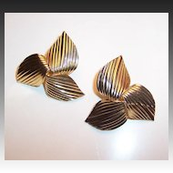 Sarah Coventry  1969 GOLDEN TRILLIUM Earrings