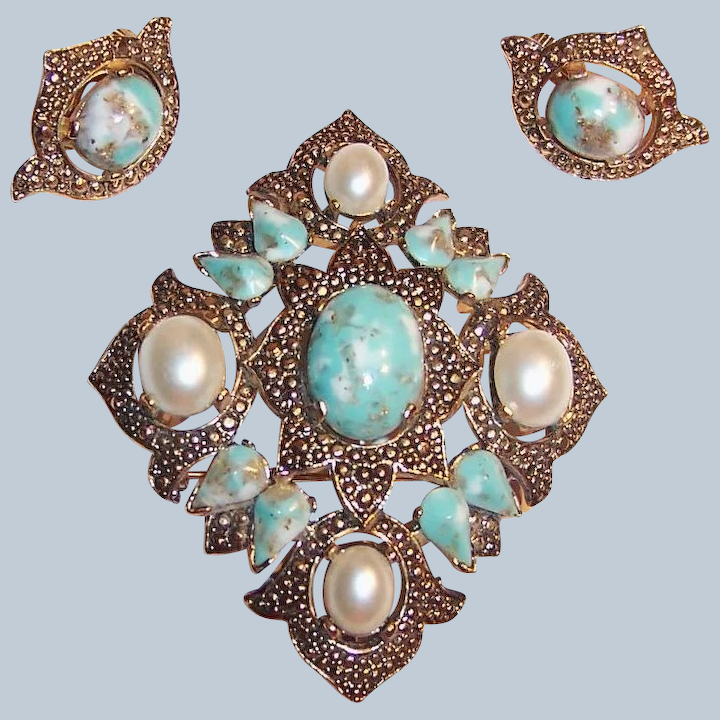 Sarah Coventry Turquoise Pearl Brooch and Earring Set