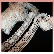 9 1/2 Yards Vintage Ivory Lace Trim