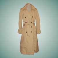 Classic Early 1970's London Fog Ladies Size 10 Trench Coat (Made in the USA)